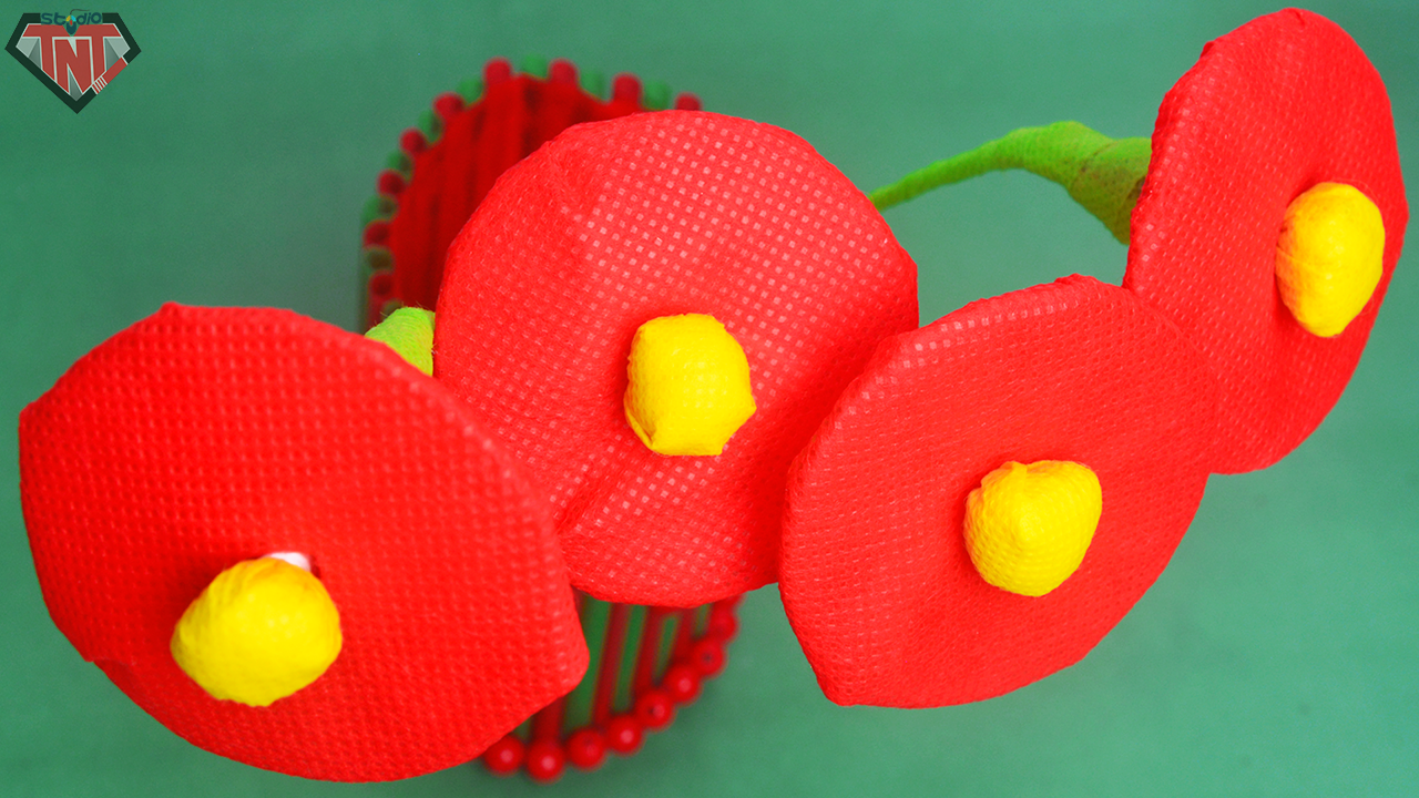 Diy craft recycled material flowers how to make old bangle flower