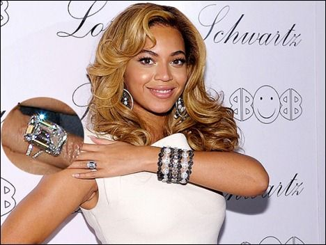 BeyonceU00c2 S 18 Carat Engagement Ring From Jay Z Q 11