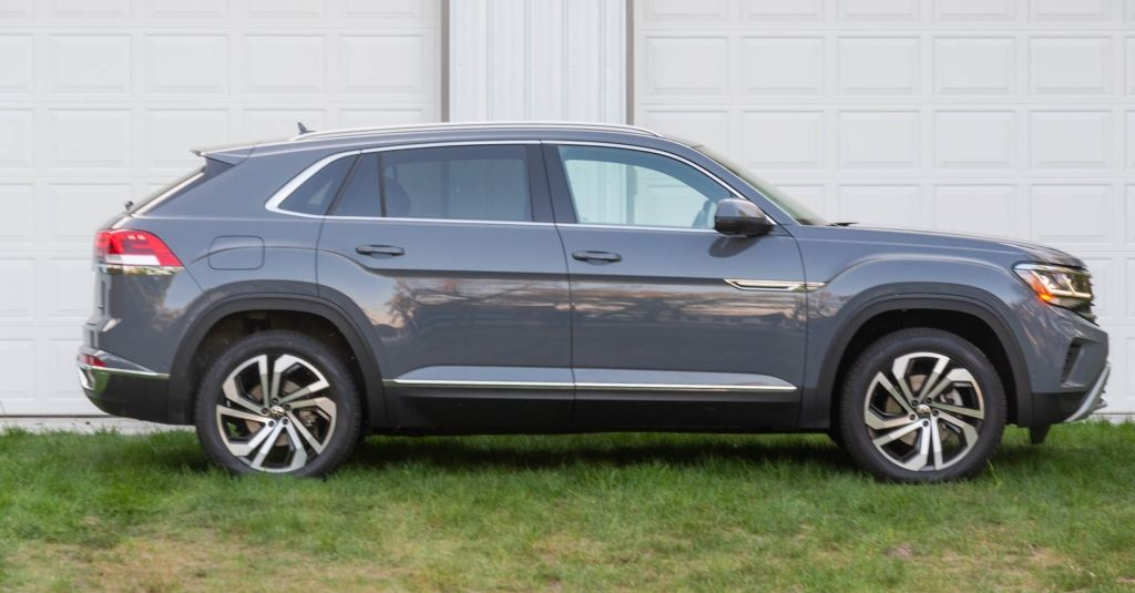 2020 Volkswagen Atlas Cross Sport tested, Aston Martin