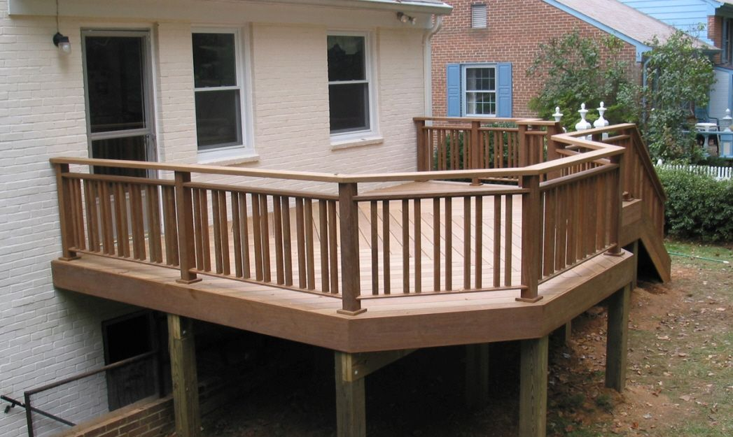 Wooden terrace fence beautiful addition to every house for Balcony handrail design
