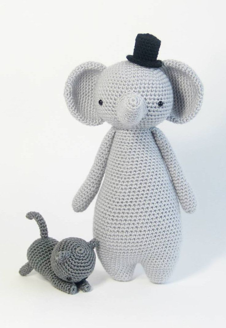 FREE cat pattern can be found here: https://www.lovecrochet.com ...