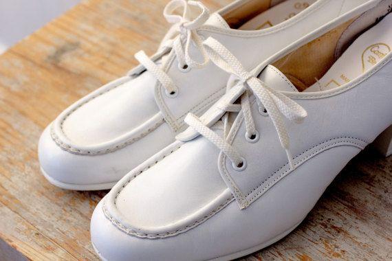 Nursing shoes, White nursing shoes