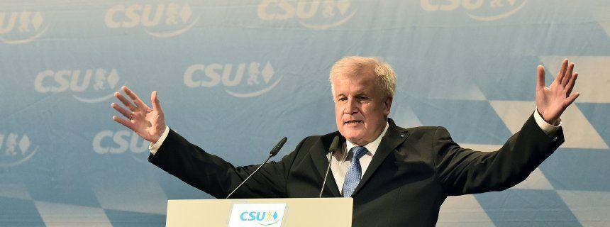 "Verhandlungen mit Griechenland: Seehofer will den ""Zirkus"" beenden"