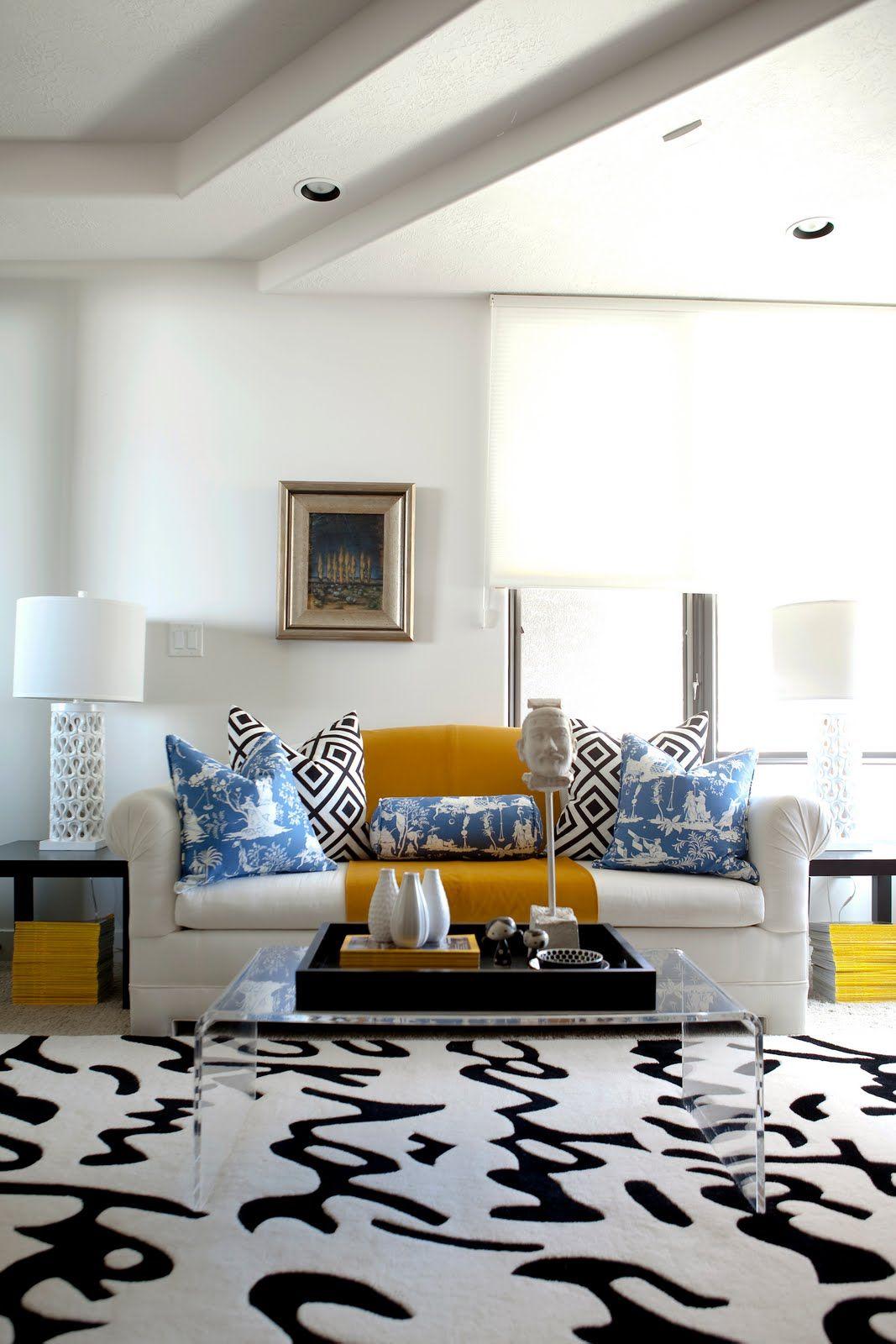 Blue & white chinoiserie + graphic black & white | Mixing Prints ...