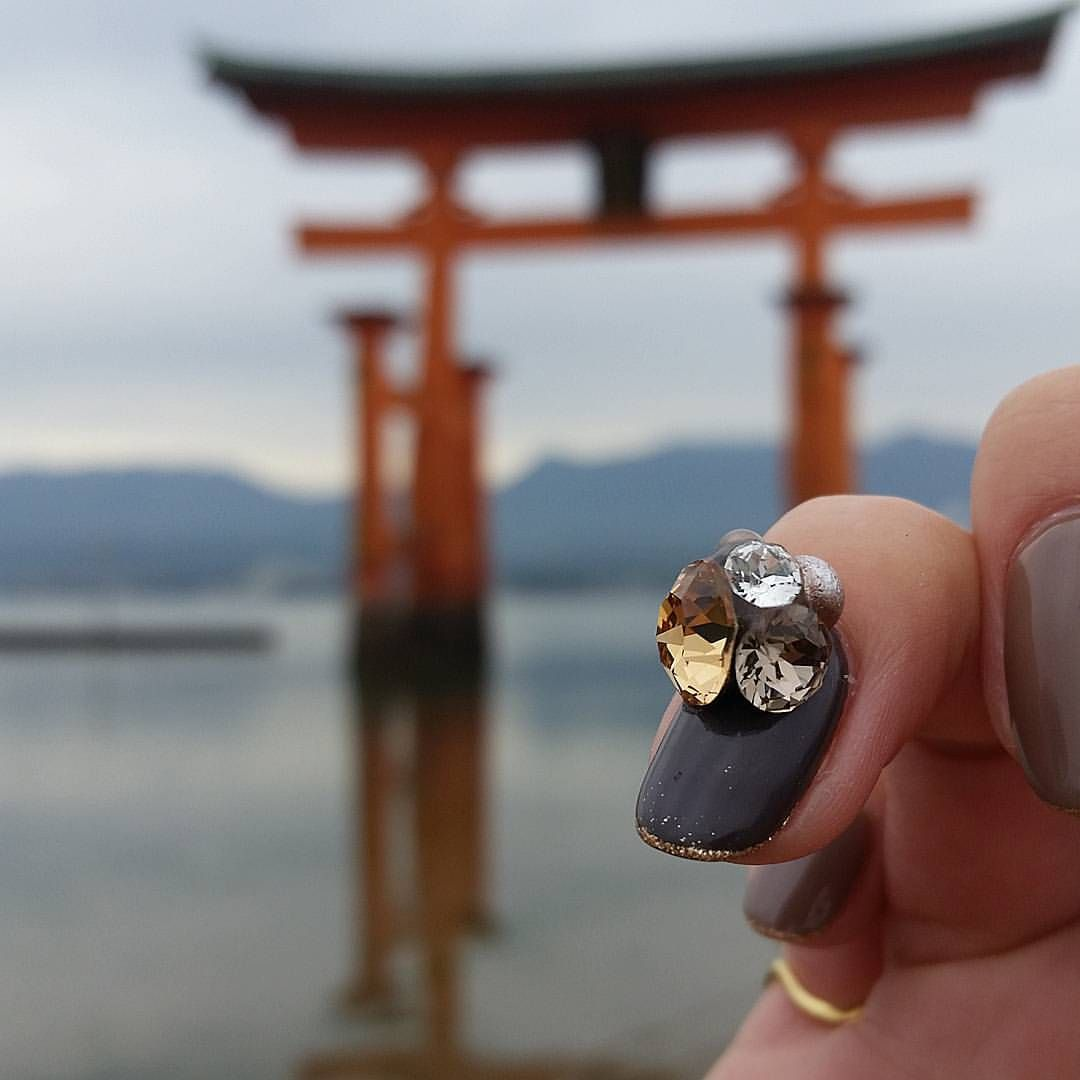 SaoriさんはInstagramを利用しています:「. . 広島、宮島にて。 . . #milleux#Nail#Hand#Sasebo#Nagasaki#Hiroshima#ミルー#ネイル#ハンド#佐世保#長崎#広島#宮島 . #厳島神社 #ド定番観光好き #鹿にビビる #ビビりにビビる #JR特典でお得な旅 #お世話になりっぱなし . #DOUBLE180DX#DOUBLE180#ABGEL#ABTOP#ABOFF#AB艶 #ciel5style」