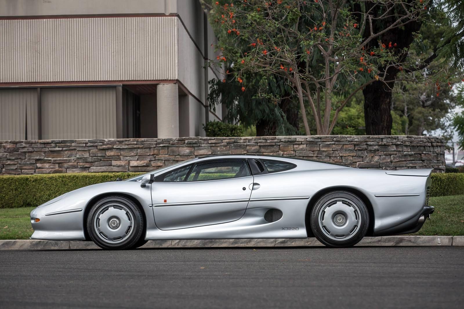 Jaguar Xj220 For Sale >> Jaguar Xj220 For Sale 6 Photos Gtspirit Cars That Will