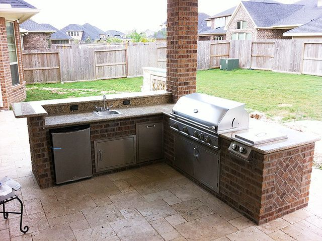 We Design And Build Custom Outdoor Kitchens In Katy Tx View Our Portfolio To See Outdoor Kitchen Proje Outdoor Kitchen Design Outdoor Kitchen