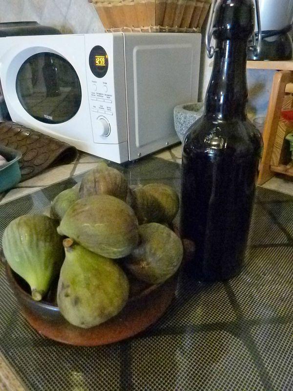 Sirop de figues maison la table des joyeux sirop - Cuisiner des figues fraiches ...