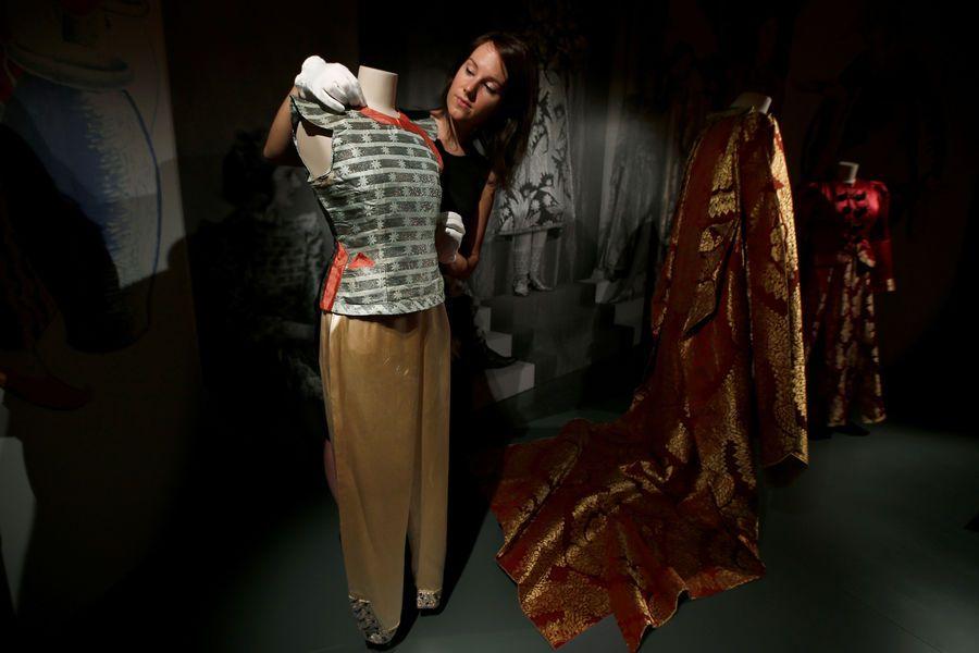 Exposition de la garde-robe d'Elizabeth II, acte III