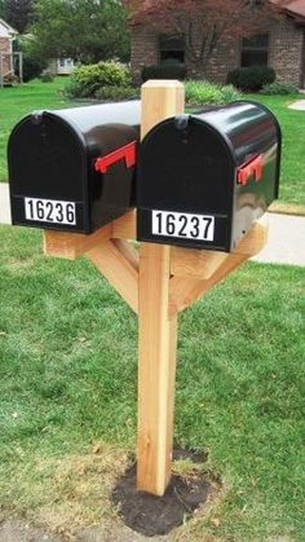 How To Build A Double Mailbox Post Downloadable Free Plans Double Mailbox Post Mailbox Post Free Plan