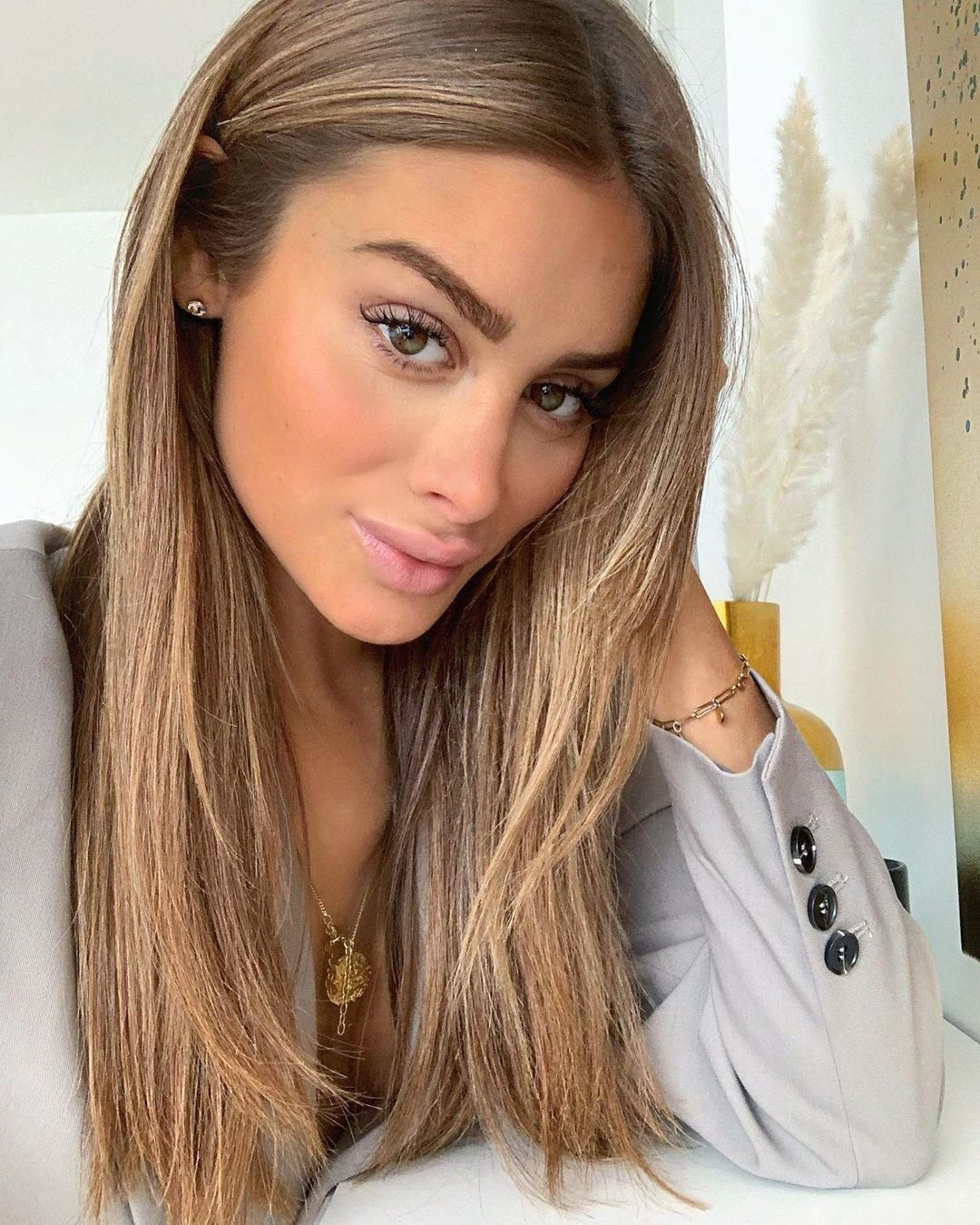 Angelina Lilienne On Instagram The Flower That Blooms In Adversity Is The Rarest Most Beautiful O In 2020 Honey Blonde Hair Hair Inspiration Color Light Brown Hair