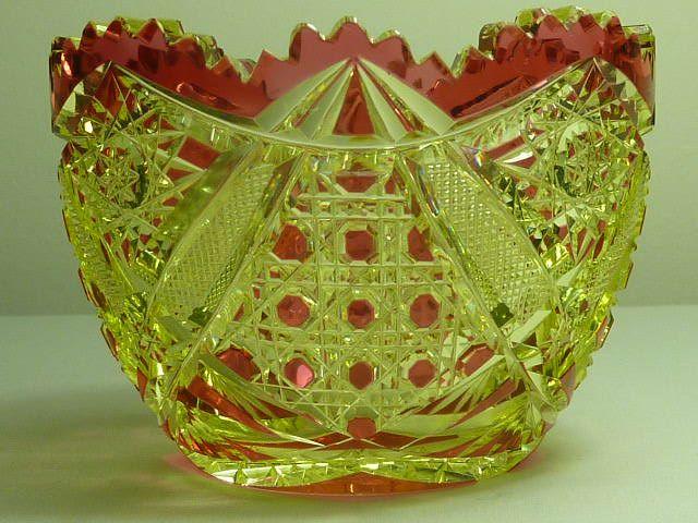 Val St Lambert Sucrier cristal urne doublé rouge - 1908.