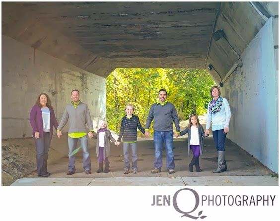 Large family portrait NOBLE GIBNEY SHOOT::FAMILY  { Grand Rapids Michigan Children's and Family Photographer }