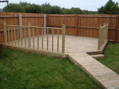 Low decks some great low deck designs to enhance your for Garden decking examples