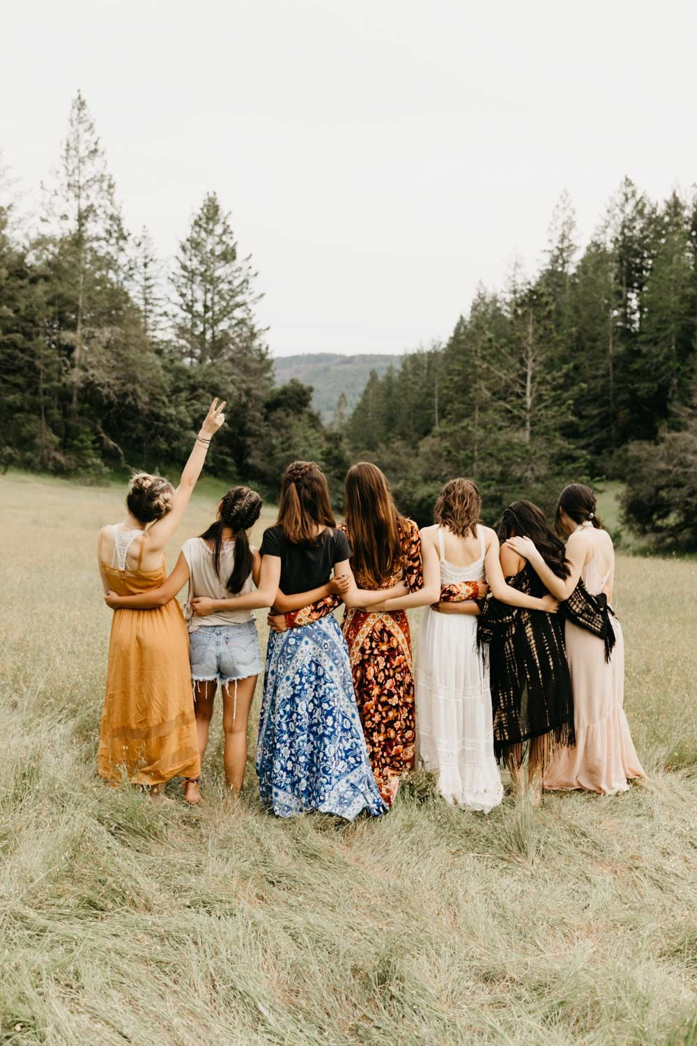 Best 12 Class of 2019 Rep Shoot was shot in the beautiful meadows of Sonoma County. This Coachella themed senior rep shoot was just a dream!