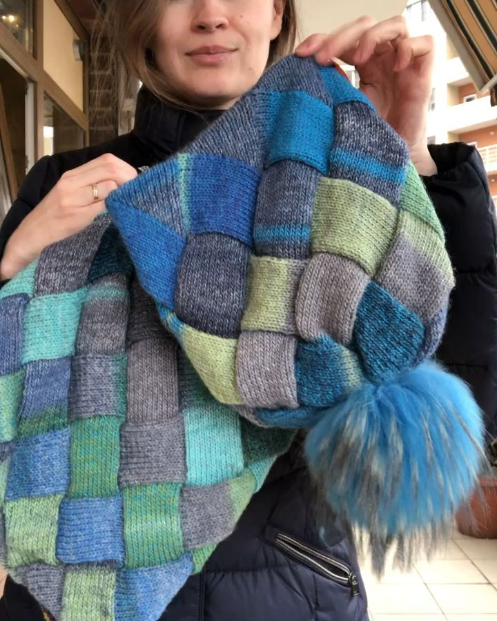 Photo of Knit hat cowl scarf set