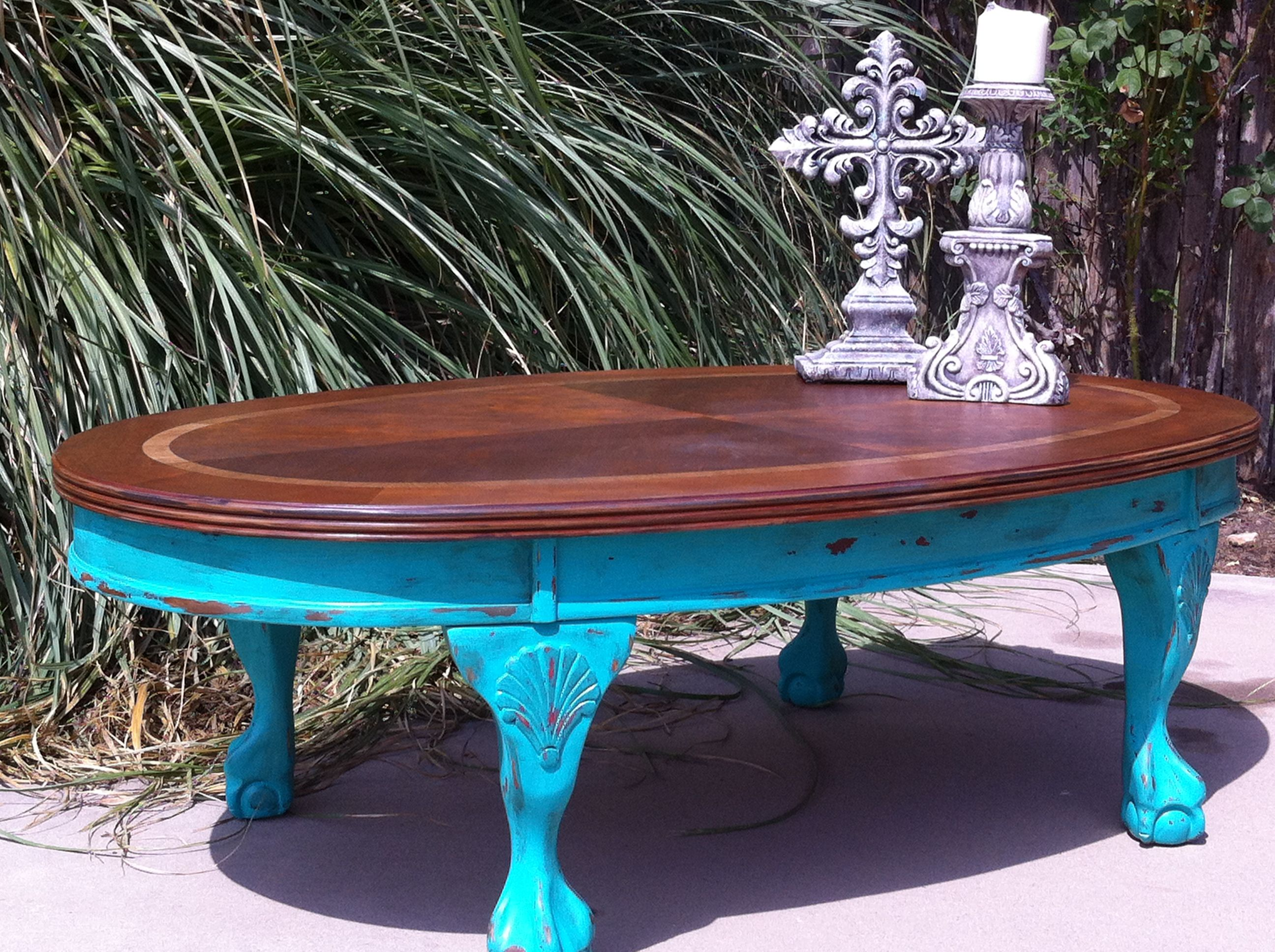 Pretty coffee table EXCLUSIVELY at Fred s Weatherford TX