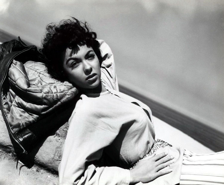 Woman El Alamein
