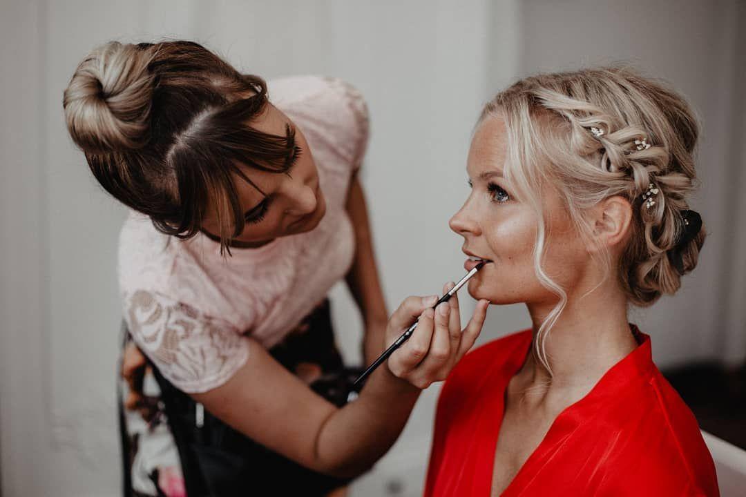 Traumstyling By Beautify Bar Und Jetzt Auch Nur Noch Einen Katzensprung Von Mir Entfernt Just Perfect Simonegeier Beauti Wedding Hair Styles Beauty