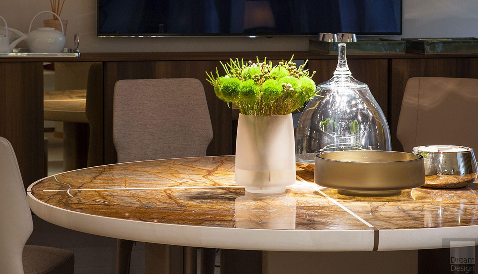Gordon Round Table Table, Round table