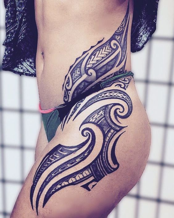 "@tattoosbymako on Instagram: ""Female hips flow on @kealaulau Mahal ….. #maoritattoo - maori tattoos"