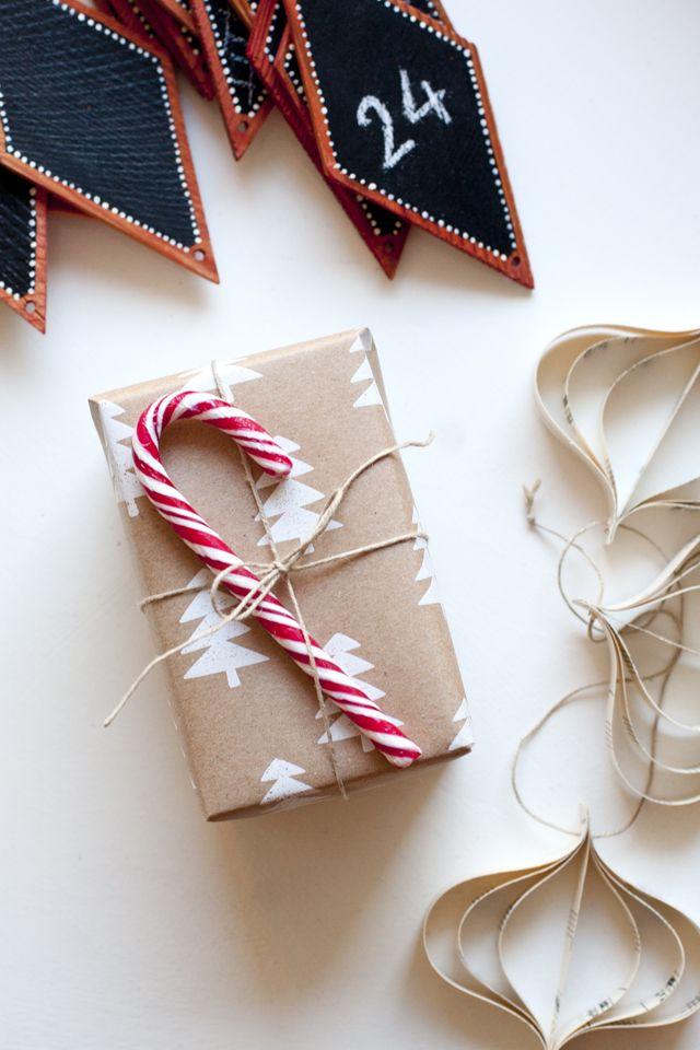 Gift wrapping ideas // paketointi-ideoita  http://ukkonooa.blogspot.fi/2014/12/pienta-jouluvalmistelua-keeping-it.html