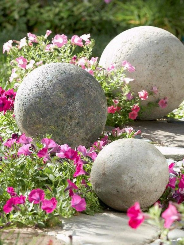 15 awesome concrete garden decor ideas to have the most beautiful do it yourself is always a good choice when it comes to garden decor you can make your own personalized concrete garden decorations solutioingenieria Gallery