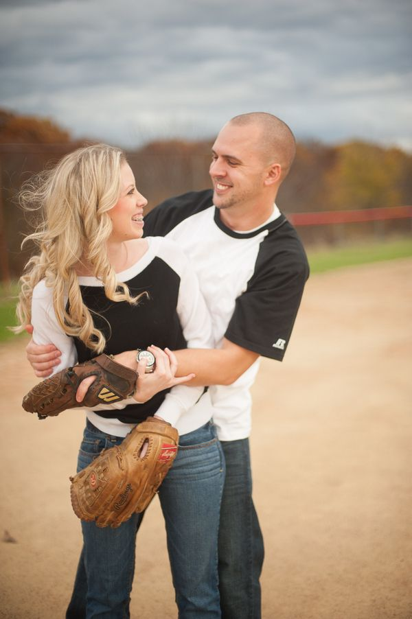 Baseball Season {Wedding Ideas} | Desiree Hartsock http://www.desireehartsock.com/baseball-season-wedding-ideas/