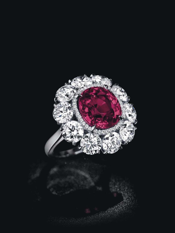 A Kashmir Sapphire Sets A New World Auction Record At
