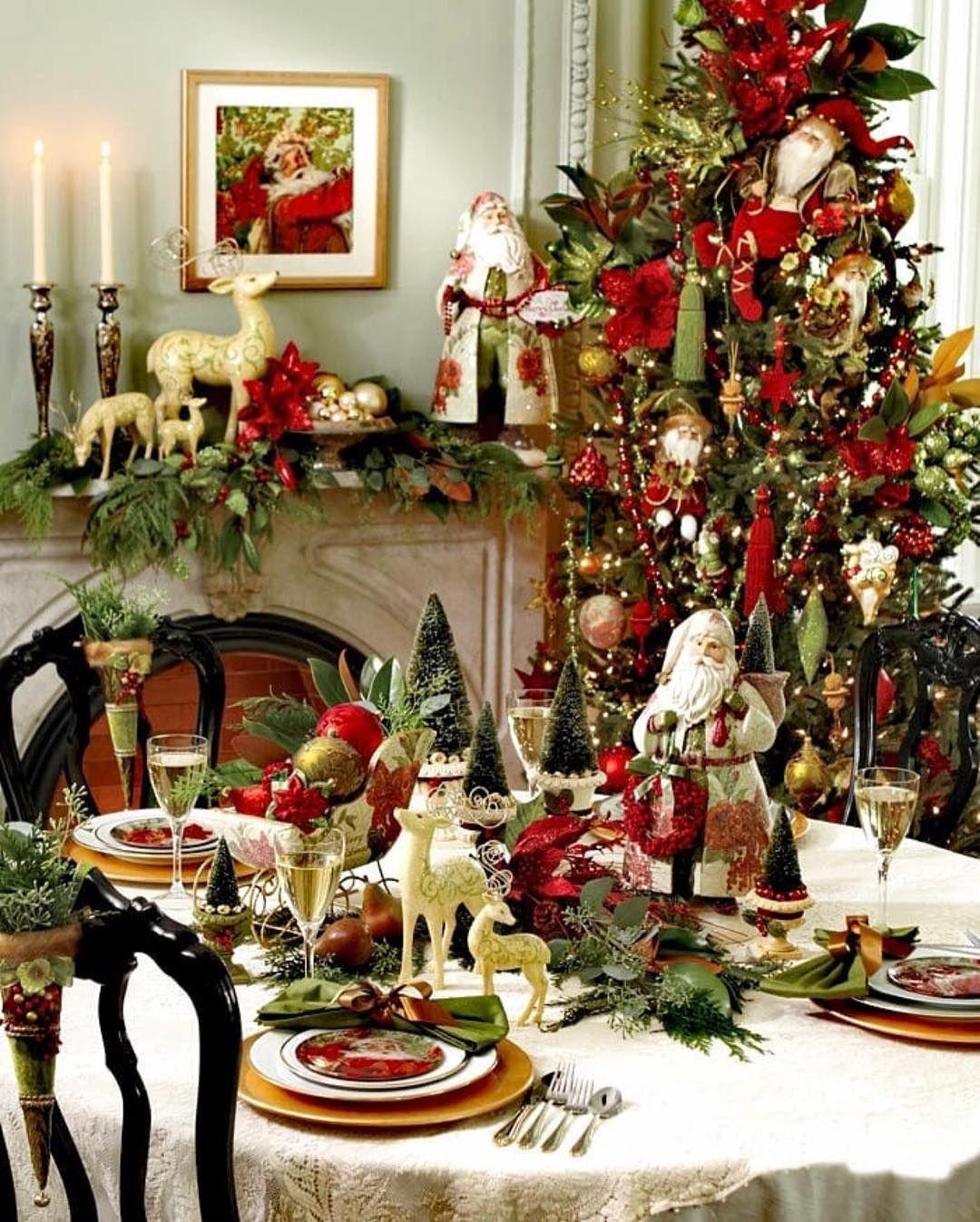 La Imagen Puede Contener Personas Sentadas Tabla Planta E Interi Bricolaje De Decoraciones De Navidad Mesas De Cena De Navidad Decoracion De Mesas Navidenas