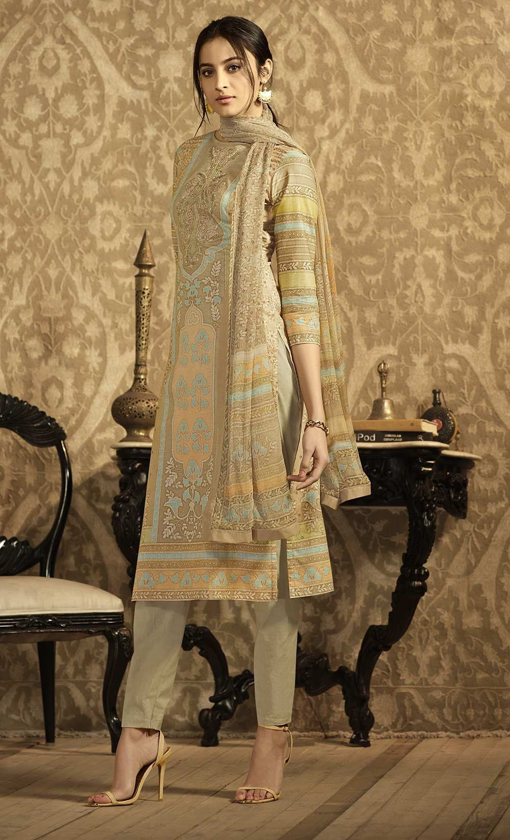 Trend Of Latest Suit Designs 2018,2019 In Summer