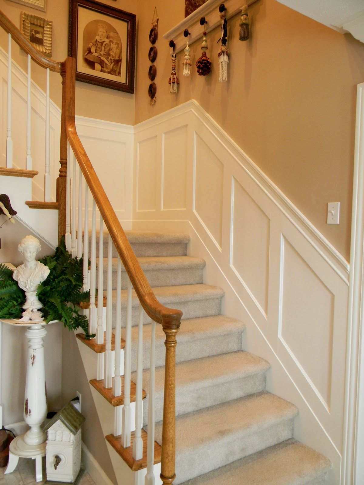 staircase wainscoting ideas | Stairwell Wainscoting ...
