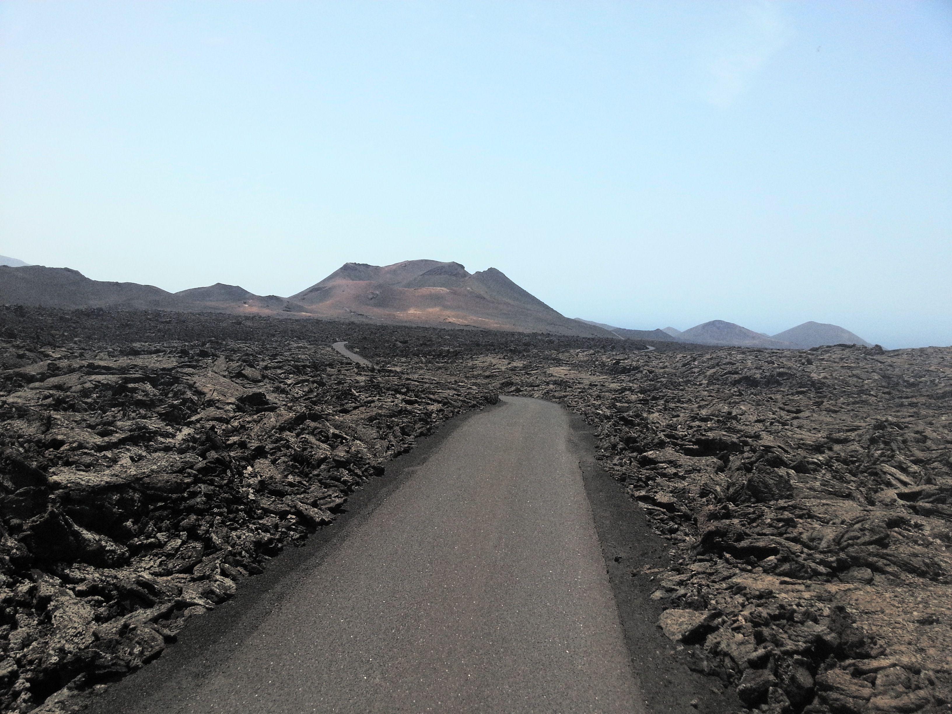 Lanzarote Montañas Del Fuego Timanfaya Recorrer El Mundo Viajes Recorrer