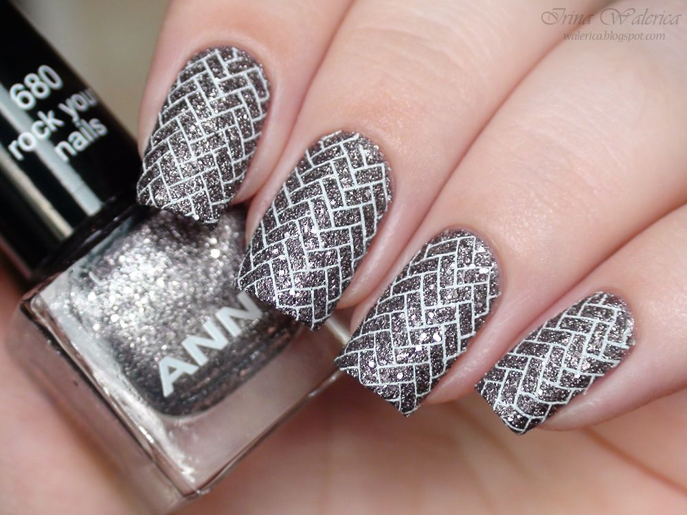 Moyou London Anny 680 Rock Your Nails Essence Nail Art Stampy