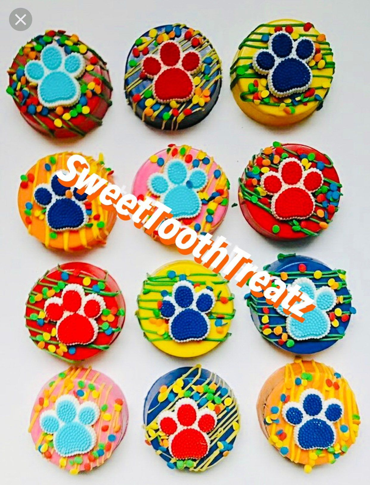 Paw Patrol Chocolate Oreos - Chocolate oreos, Paw patrol, Chocolate covered oreos, Oreo, Paw patrol treats, Chocolate lollipops - Celebrate your little one's birthday with our pawsome PAW Patrol chocolate Oreos! PAW Patrol Oreos can be customized to suit your color scheme  Each chocolate Oreo is placed into a cello bag and tied with a color ribbon of your choice  Please note sold by the dozen (12)