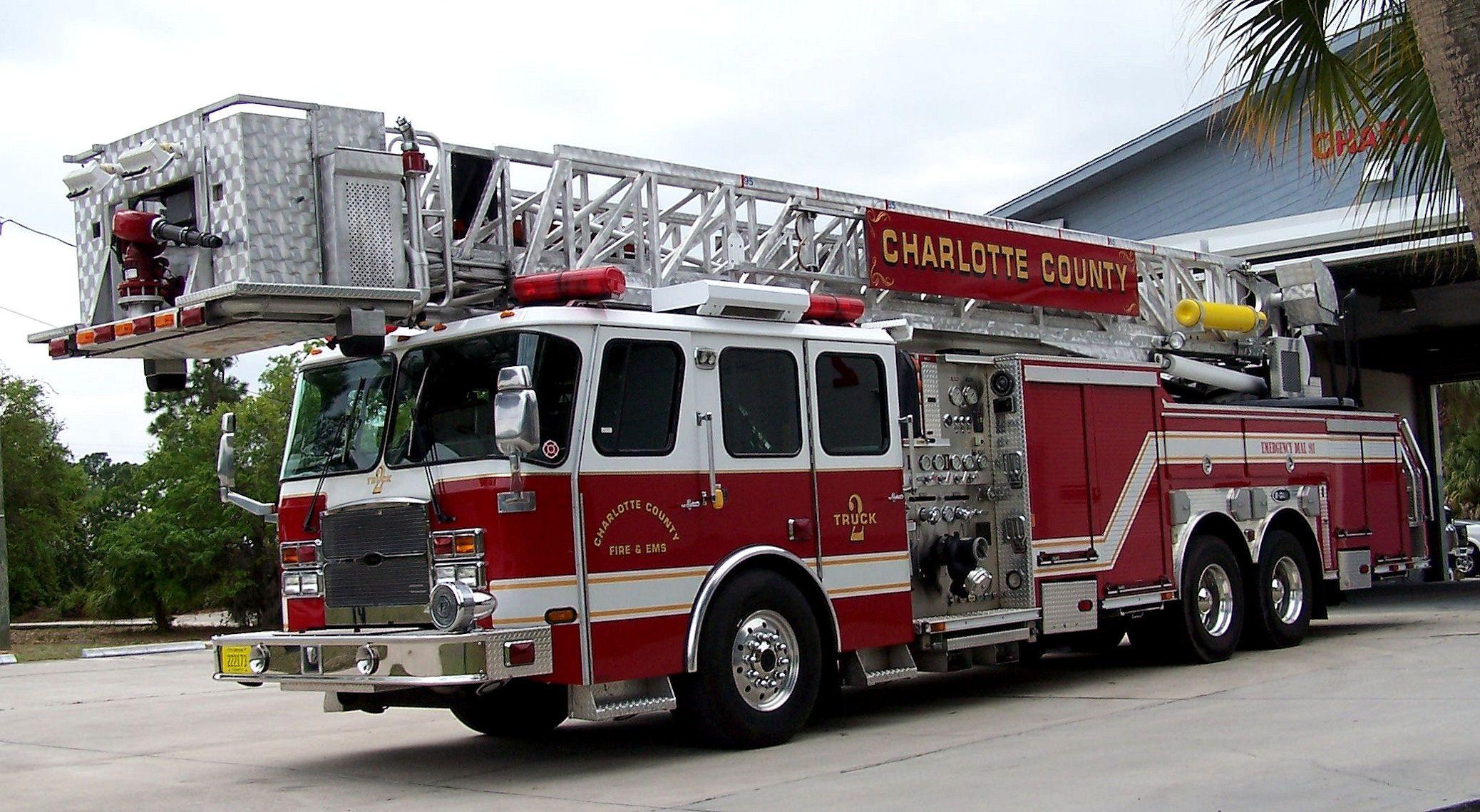 Charlotte County Fire Dept EOne Cyclone Ll Aerial Platform