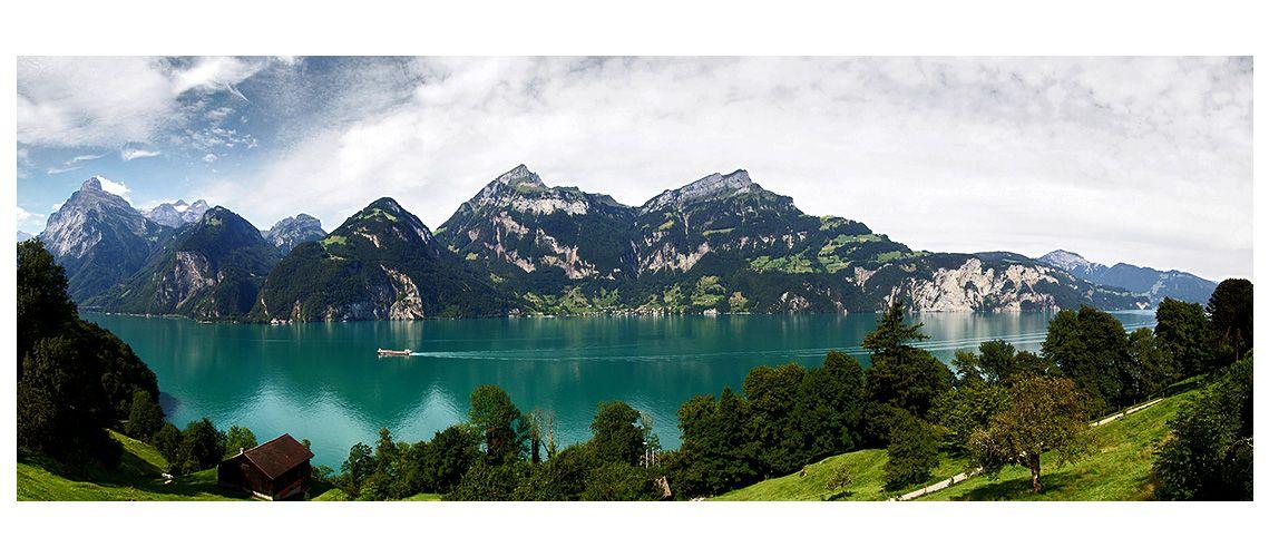 Vierwaldstättersee im Schweiz Reiseführer http://www.abenteurer.net/2798-schweiz-reisefuehrer/