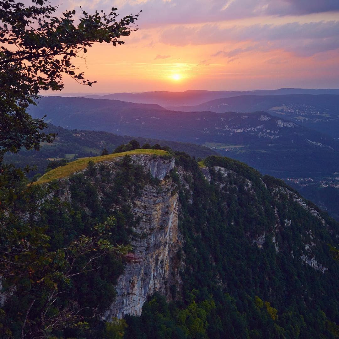 Coucher De Soleil Sur Le Haut Jura Les Molunes By Elisaparkranger Et Maximecoquard Jura France Juratourisme Jura Tourisme Jura Franche Comte