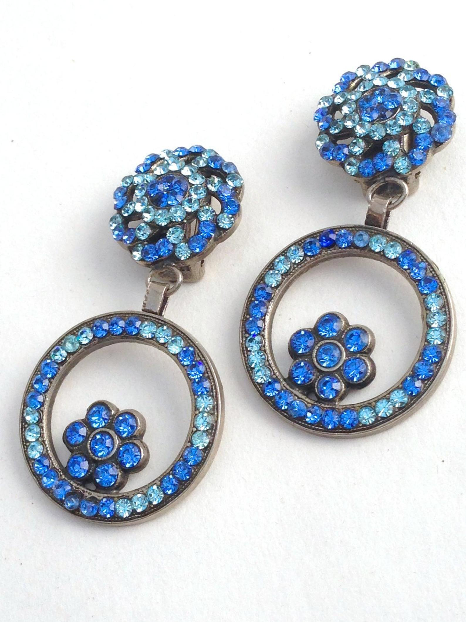 Italian Vintage Rhinestone Floral Earrings, Blue Vintage Crystal Rhinestone Clip On Earrings, Day to Evening, Holiday Gift #vintagerhinestone