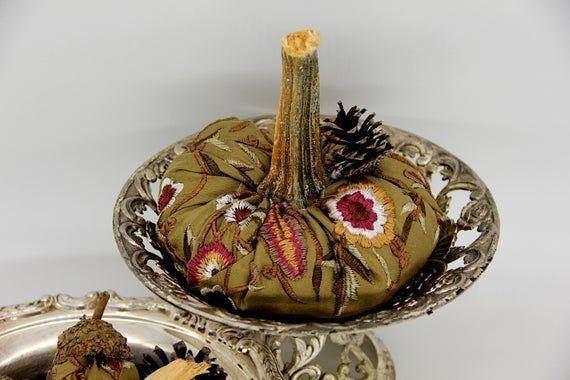 Embroidered Pumpkins, Velvet Pumpkins, Floral Pumpkins, Fall Mantle Decor, Fall table decor, Gold pumpkins, Fall Centerpiece, Fall Table #fallmantledecor Embroidered Pumpkins, Velvet Pumpkins, Floral Pumpkins, Fall Mantle Decor, Fall table decor, Gold pu #fallmantledecor Embroidered Pumpkins, Velvet Pumpkins, Floral Pumpkins, Fall Mantle Decor, Fall table decor, Gold pumpkins, Fall Centerpiece, Fall Table #fallmantledecor Embroidered Pumpkins, Velvet Pumpkins, Floral Pumpkins, Fall Mantle Decor, #fallmantledecor