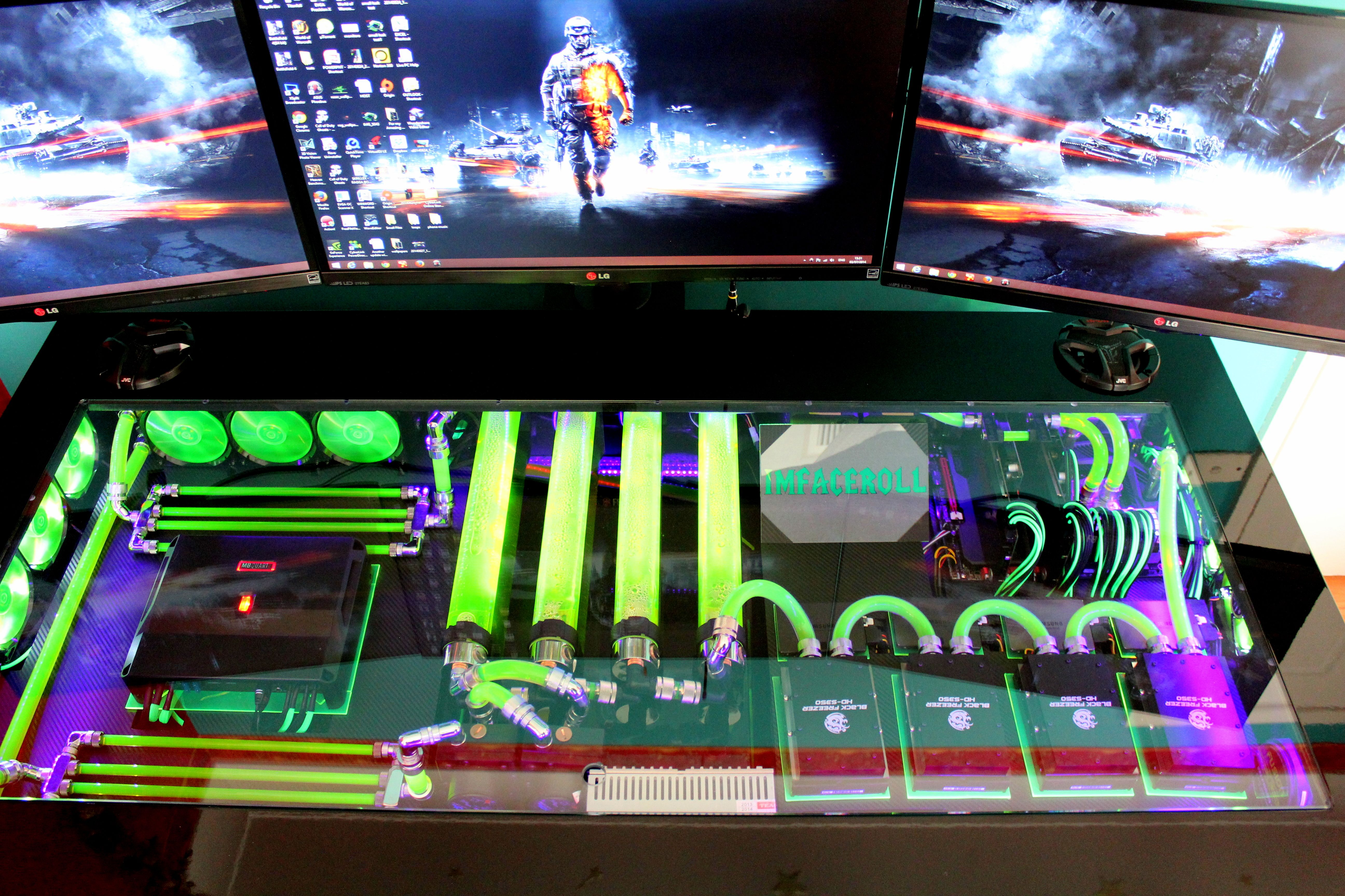 My Computer Rig Tower Pc Gaming Setup Liquid Cooled Bf4 Battle Field Wall Paper Www Facebook Com Imfacerollgaming Www Yo Pc Gaming Setup Gaming Setup Custom Pc