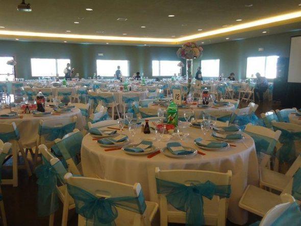 White Table Cloths With Aqua Blue Napkin And Sashes