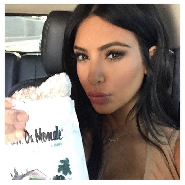 Kim Kardashian's make up | Kardashian, Kim kardashian fake ...