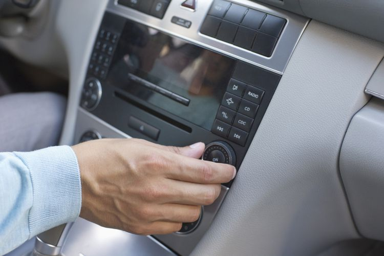 how to get free satellite radio in car