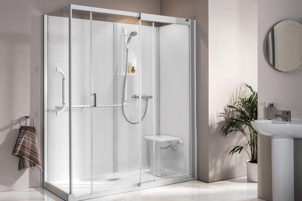 moderne badgestaltung mit einer badewanne, dusche, wand