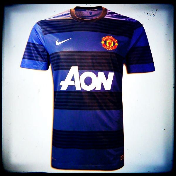 Manchester United Away Jersey 2011 The New Manchester United Away Kit Is An Interesting Introduction As It Sees The Cha Soccer Jersey Jersey World Soccer Shop
