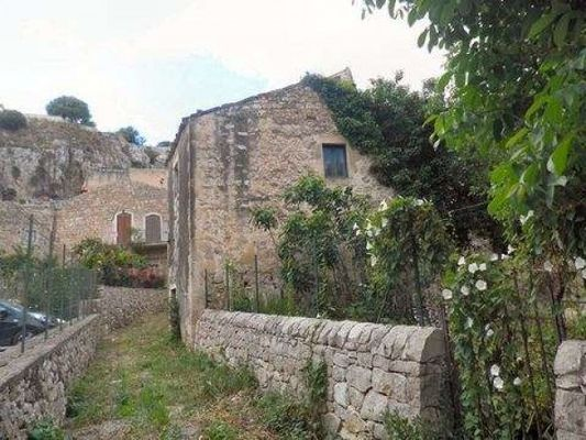 Photo: Via Nuovo Macello,Modica, Ragusa, SICILIA