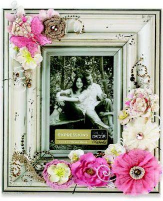 Cadre Floral Avec Fournitures Chez Michaels Picture Frame Crafts Frame Crafts Cute Picture Frames