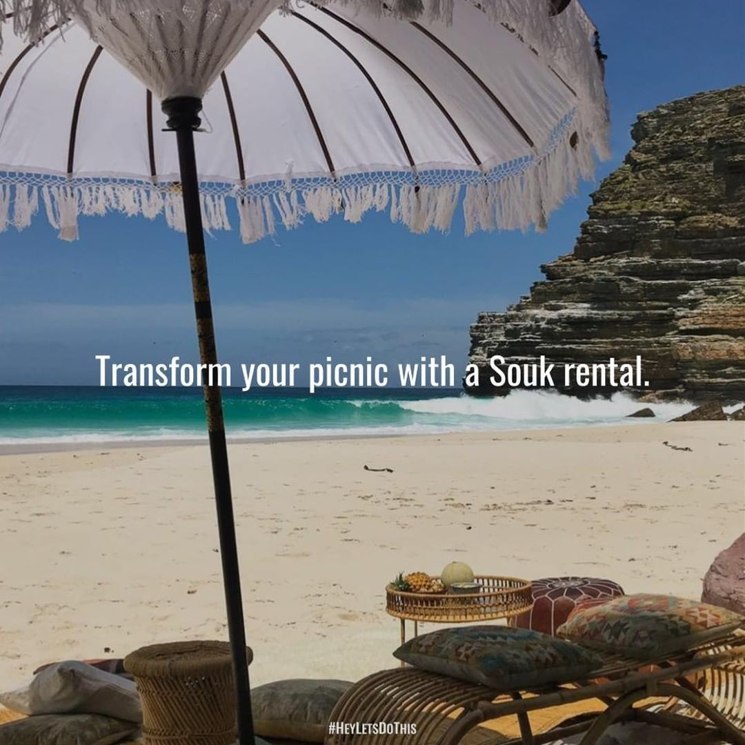 Planning a picnic, a birthday party, a baby shower, a wedding ? Transform the atmosphere of your spe...