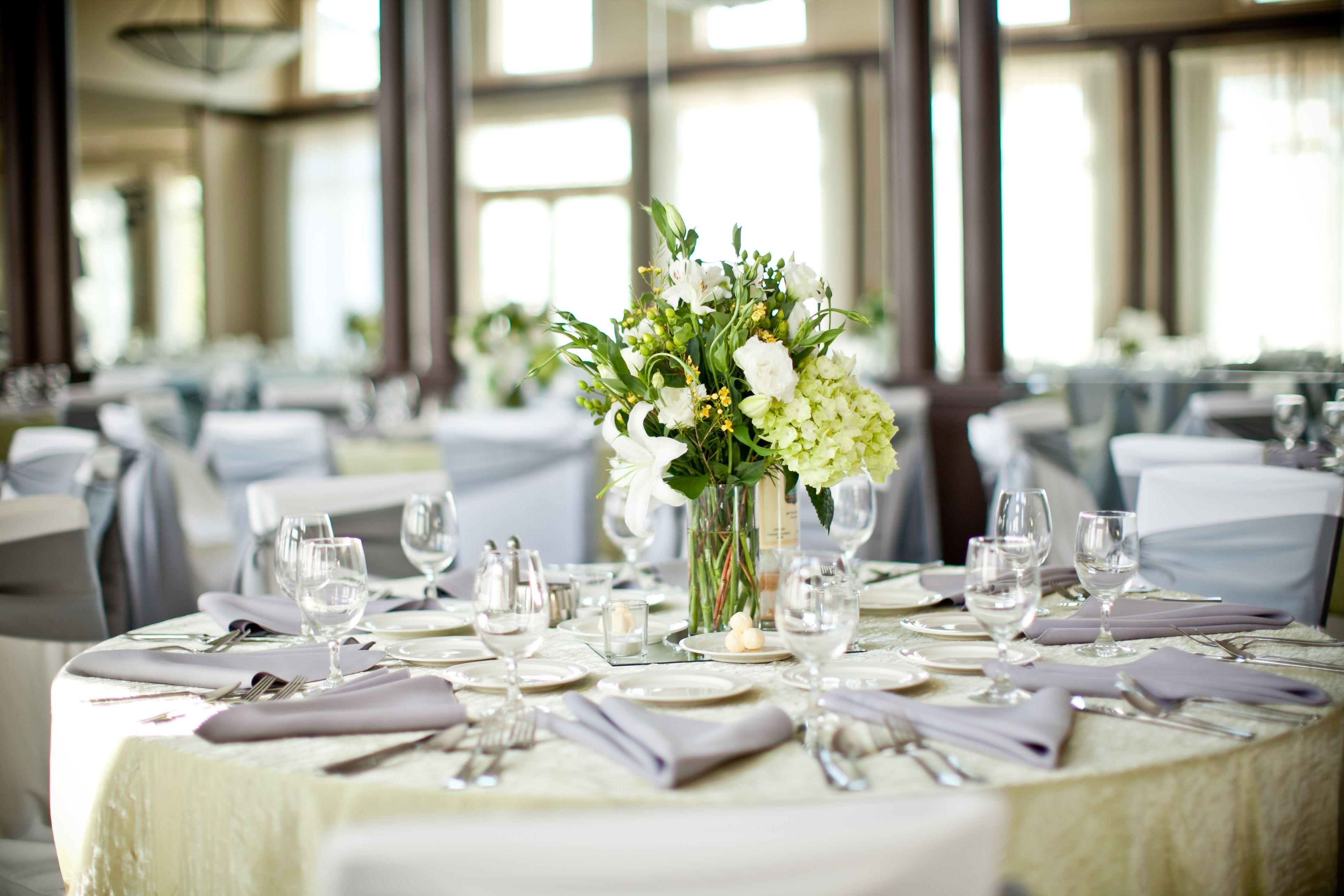 A Fresh Ballroom in Shades of Green @HawthornsEvents